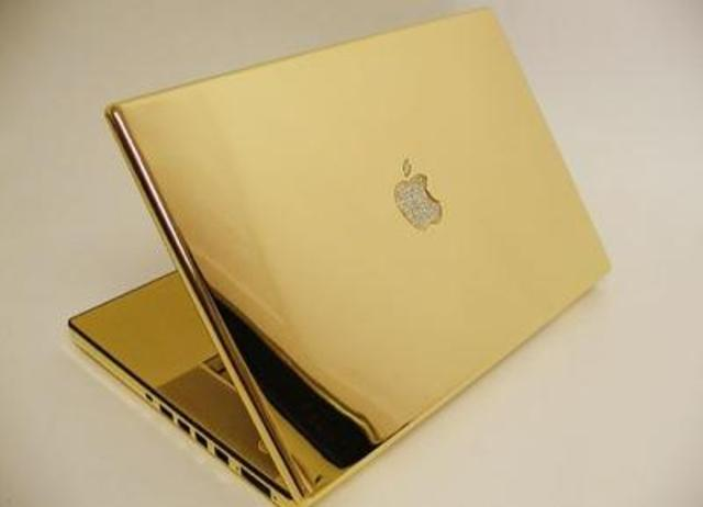 Apple saca su primer portátil equipado con procesador Intel