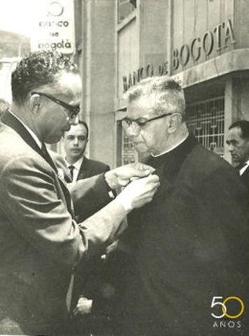 Renucia  del padre Rafael Faría