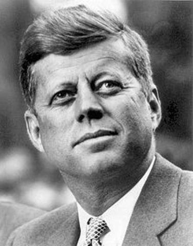 John F Kennedy becomes prez