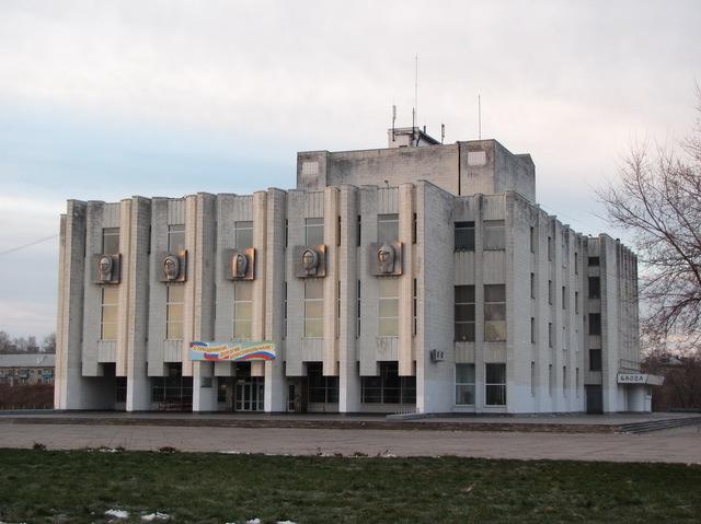Драмтеатру собствееное здание