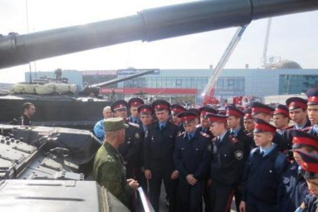 Кадеты посетили выставку инноваций Южного военного округа