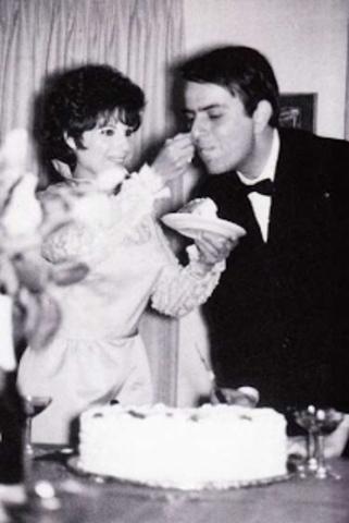 Sagan married his second wife Linda Salzman