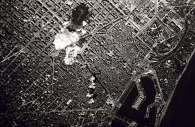 La población de Madrid sufre los primeros bombardeos