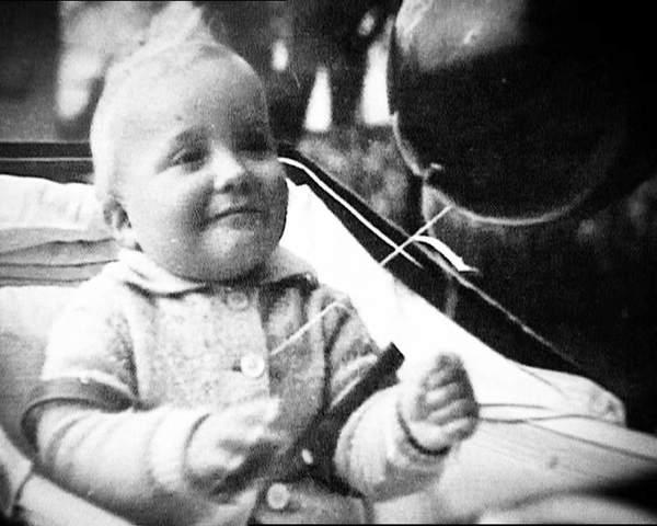 Nace en Roma el infante don Juan Carlos de Borbón, futuro rey Juan Carlos I.