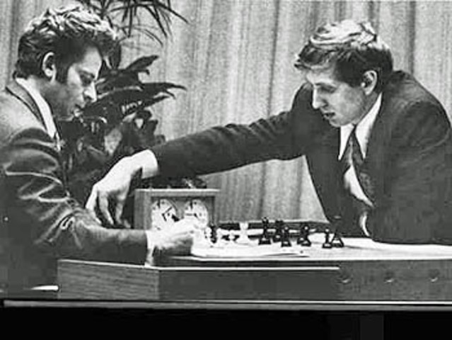 Fischer derrota a Boris Spassky en Islandia.