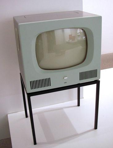 Aparece la primera televisión.