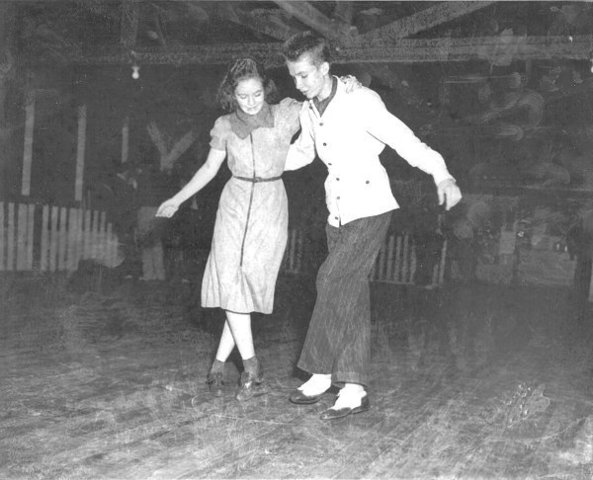 The stroll dance is linked to rock and roll