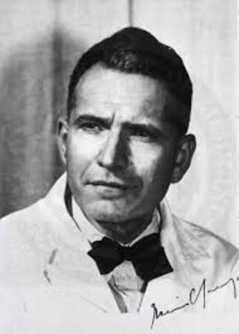 Nacimiento de Erwin Chargaff.