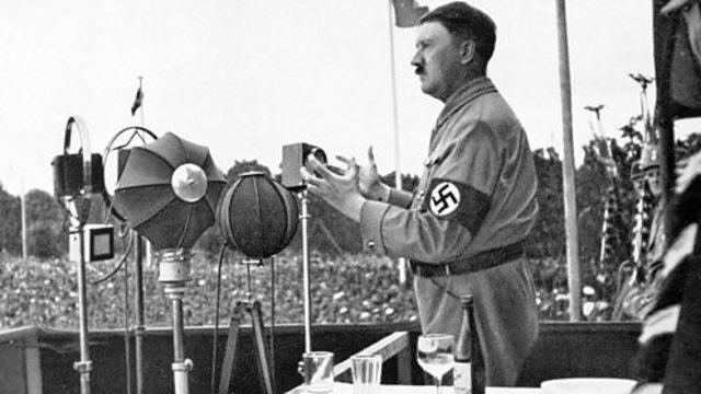 1933. Hindenburg nombra a Hitler canciller de Alemania. Los nazis provocan el incendio de Reichstag en Berlin, comienza oficialmente la persecucion antisemita.