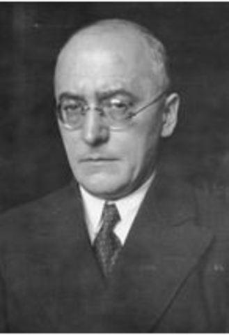 1932 Dimissió Canceller