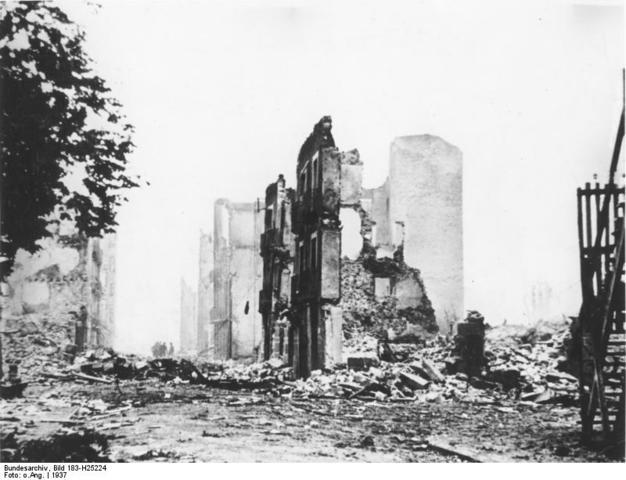 Bombardeo de Guernica. Aparatos alemanes e italianos arrasan la ciudad.