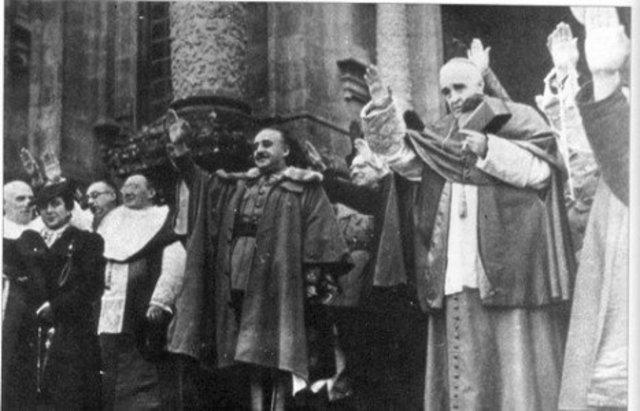 El Vaticano reconoce al Gobierno de Franco como el único legítimo en España.