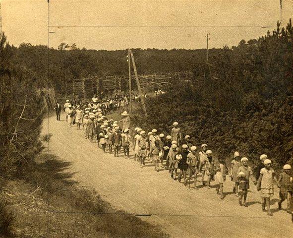 Primeiras colônias de férias na França