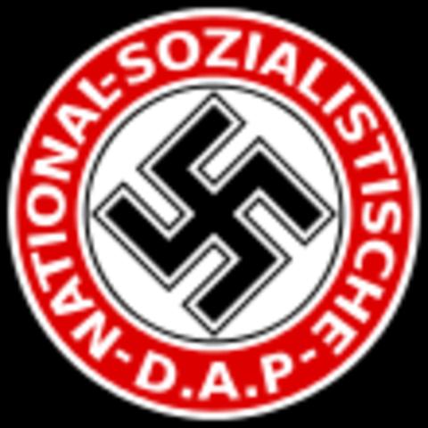 Renombrament del Partit Obrer Alemany a Partit Obrer Nacionalsocialista Alemany i fundació de les SA