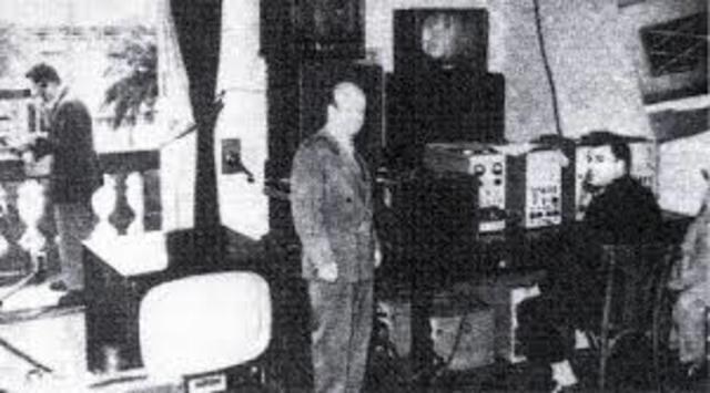 Primera radio y televisión
