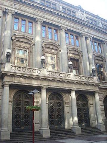 Se crea el Banco Nacional de Chile.
