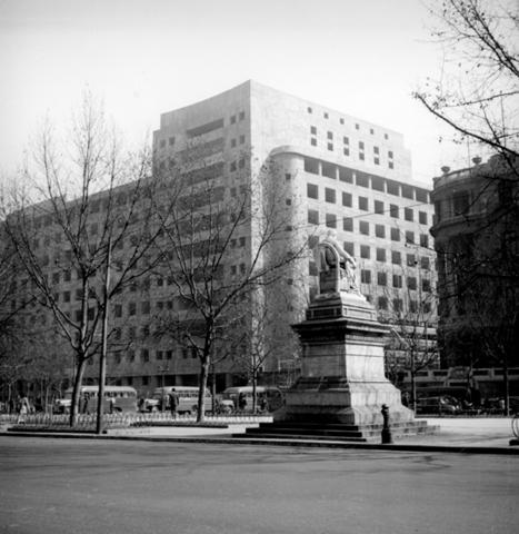 Se crea el banco del estado de Chile.