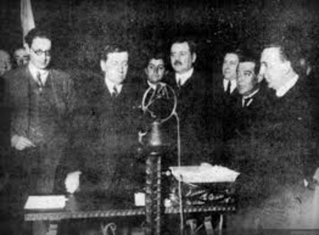 Primera transmisión oficial de radio en Chile