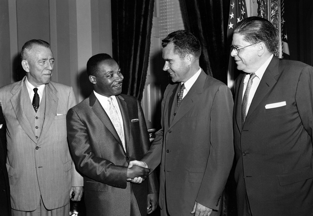 dr king meets with the vice president