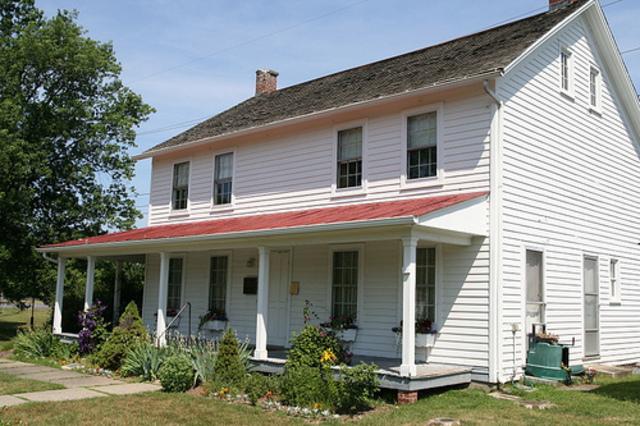 Harriet buys house in Auburn