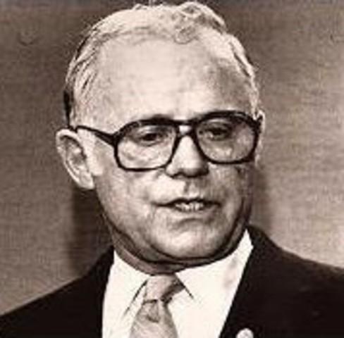 Burke grava el show de Donahue.