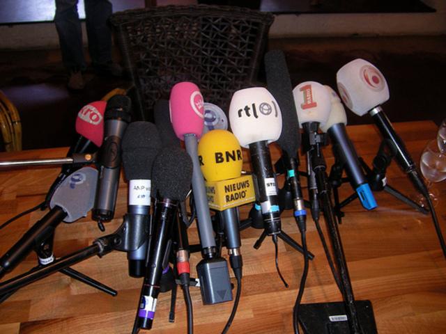 Primera conferencia de prensa de Johnson & Johnson