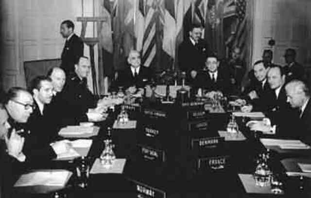Creación de la OTAN (Tratado del Atlántico Norte)