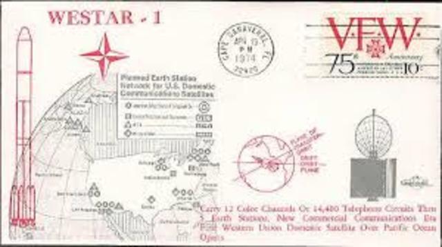 Estados Unidos lanza los satélites Western Union's Westar I & II.