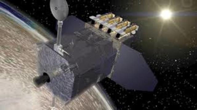 Canada lanza su primer satélite ANIK.