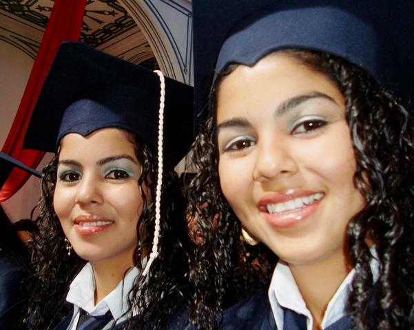se graduaron Las Gemelas....