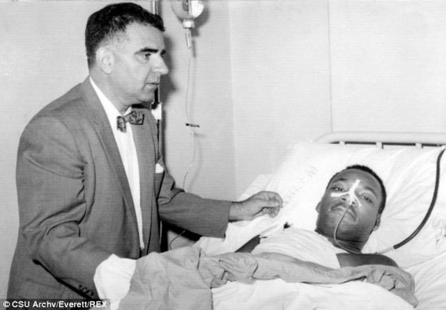 dr king is stabbed at a book signing