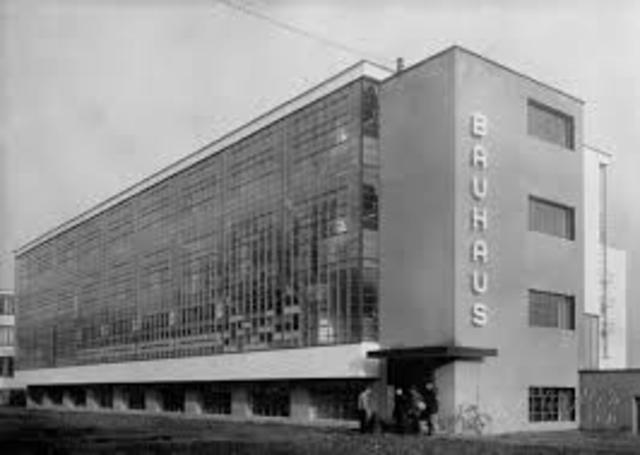 School relocated to Dessau