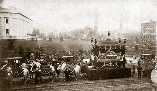 Lincoln's funeral is held in Washington D.C.