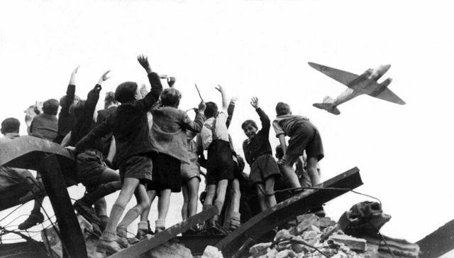 Berlin Blockade/Airlift Lifted