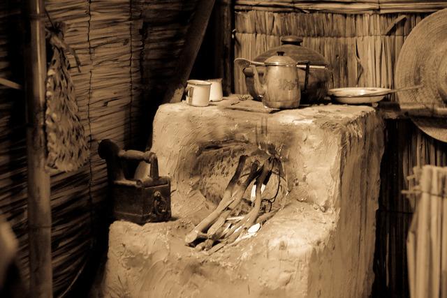 Mais tarde surgiram os fogões de barro
