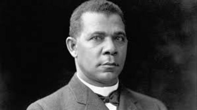 Booker T. Washington delivers Atlanta Compromise