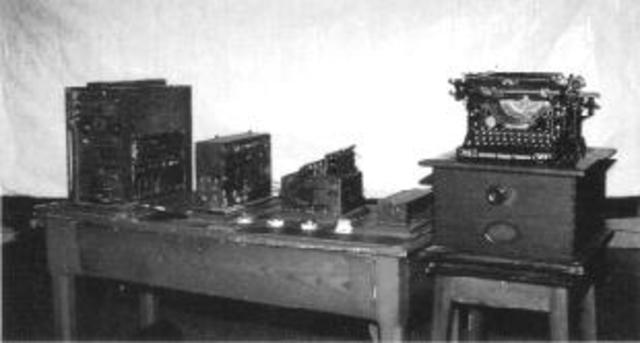 Se crea el Aritmómetro Electromecánico