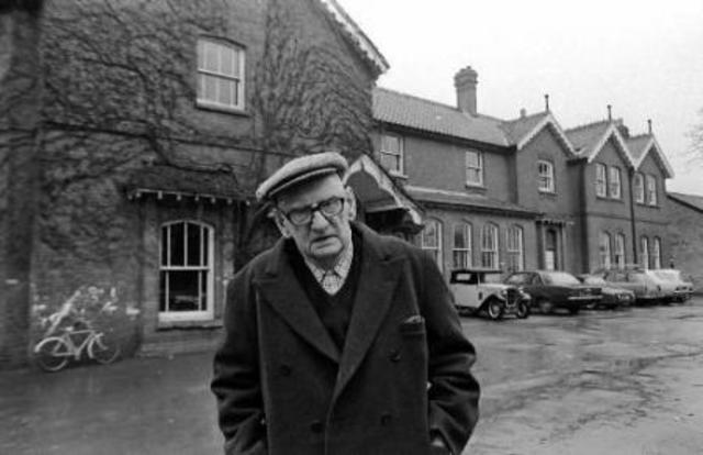 Neill funda el Summerhill