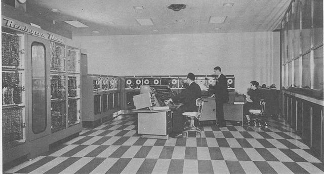 UNIVAC 1 (UNIVersal Automatic Compuetr 1)