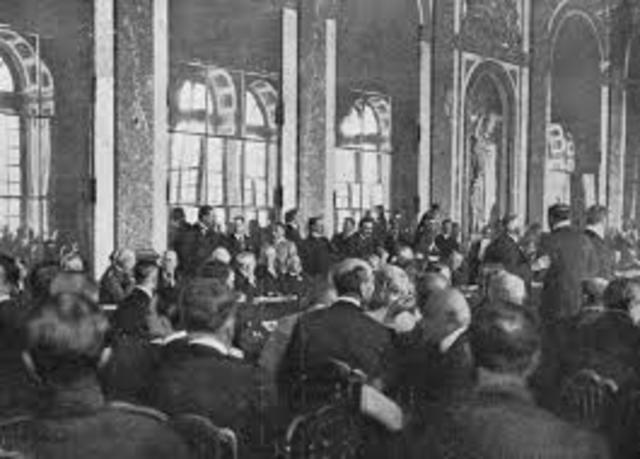 Le traite Versailles et signe
