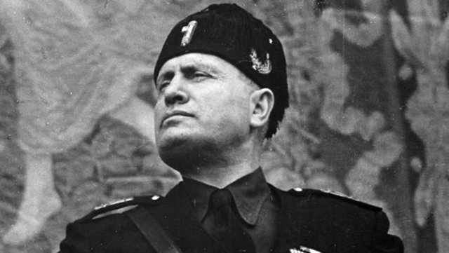Mussolini es depuesto