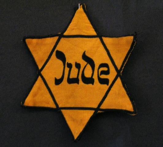 Alle Juden müssen einen Judenstern tragen