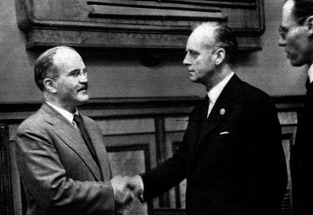 Ribbentrop/Molotov Pact (1939)