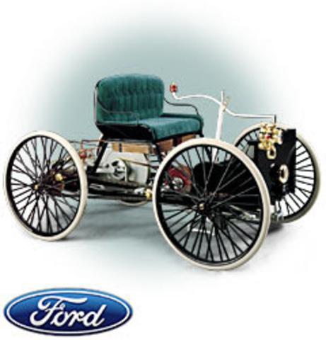 1896  primer vehículo a motor Quadricycle