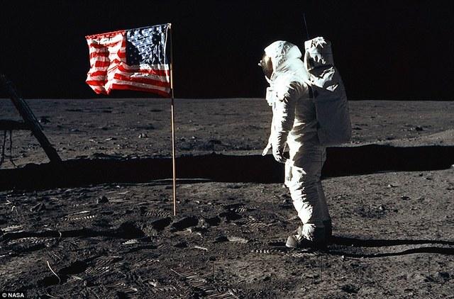 Primera expedición humana en la Luna