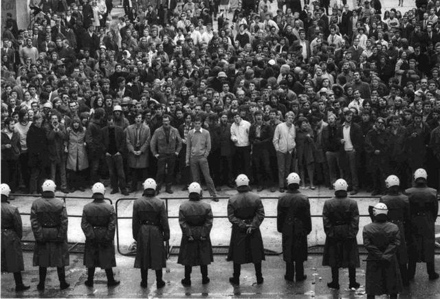 Protesta de la juventud francesa y europea