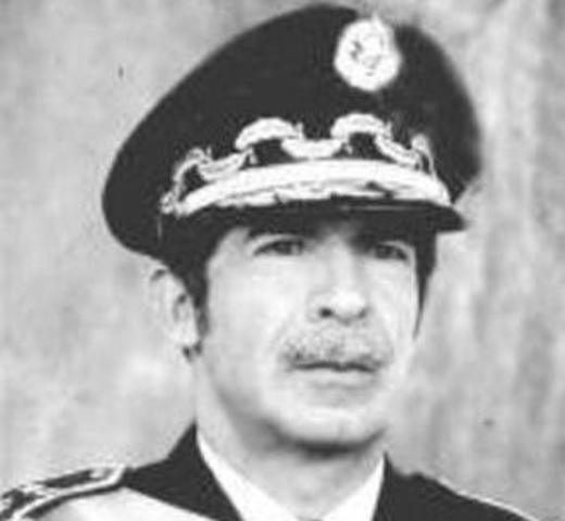 José Efraín Ríos Month