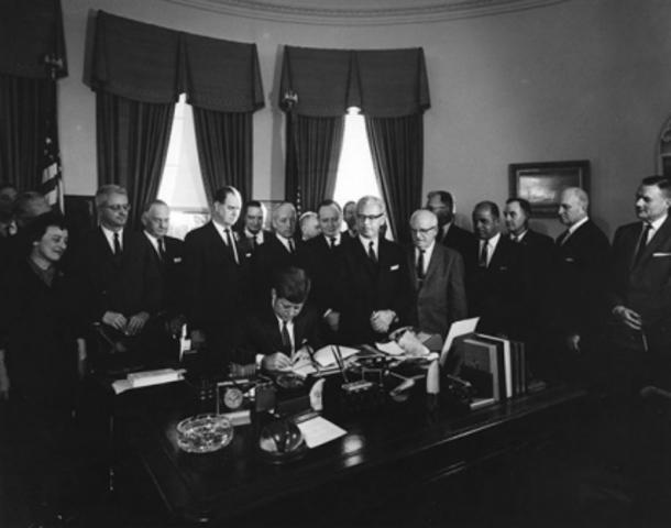 Kennedy Legalizes Public Employee Unions