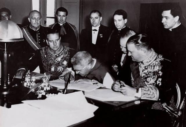 Acuerdos con EE.UU. y la Santa Sede.