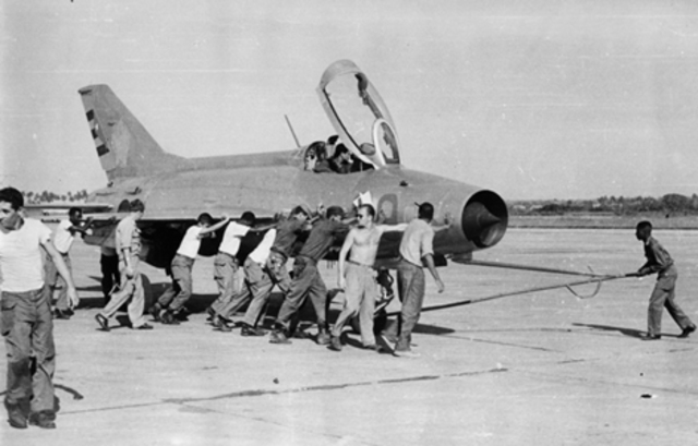 Bloqueo aéreo y naval